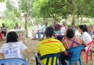 Training session on human rights in the community of Coco Tiquisio, Colombia (photo: Magdalena Medio JRS Team).