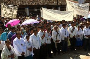 Indigenous people demonstrating for justice in Chiapas, Mexico.(Photo: MODEVITE)
